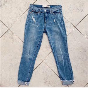 $79 GAP True Skinny Ankle Blue Raw Hem Jeans 25 💓
